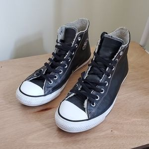 Converse Black Leather Hightops Unisex